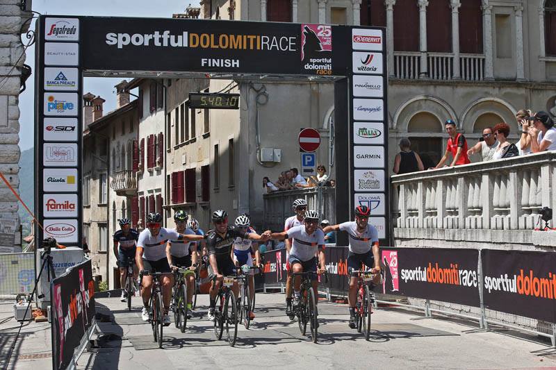 Arrivo Bettini e Rodriguez Sportful Dolomiti Race 2019