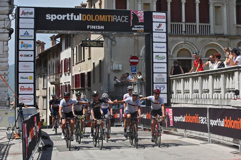 Arrivo Bettini e Rodriguez Sportful Dolomiti Race 2019